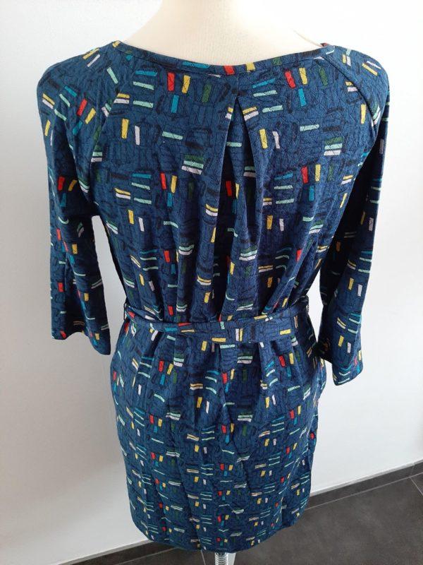 whosthatgirl-retro-jurk-blauw-achter