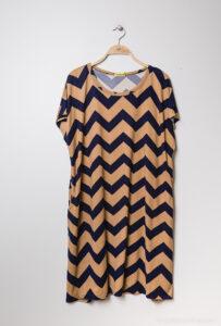 Retro-world-fashion-jurk-zig-zag-beige-kapstok-1