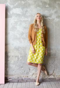 Retro-Zilch-jurk-eclipse-lime-dress-model-shoot