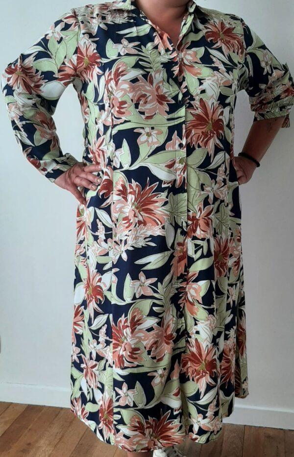 Retro-world-fashion-jurk-tropical-navy-modelmaatjemeer-voor