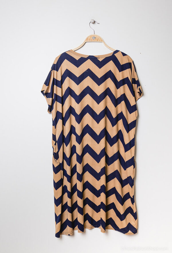 Retro-world-fashion-jurk-zig-zag-beige-kapstok2
