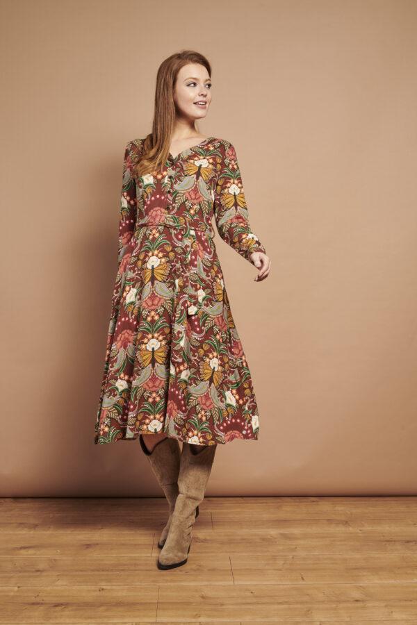 Smasehd-Lemon-Retro-jurk-multi-bloemen-model-voorkant-volledig