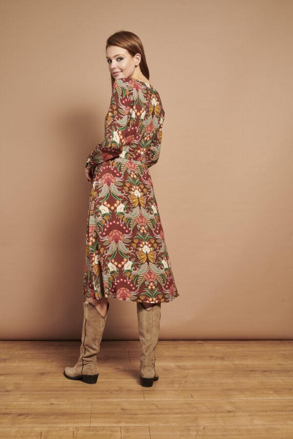 Smashed-Lemon-Retro-jurk-multi-bloemen-model-achterkant-speels