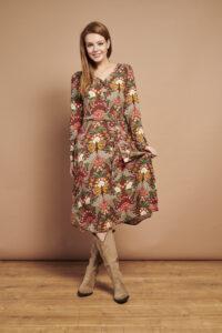 Smashed-Lemon-Retro-jurk-multi-bloemen-model-voorkant