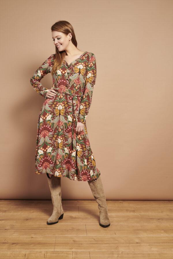 Smashed-Lemon-Retro-jurk-multi-bloemen-model-voorkant-speels